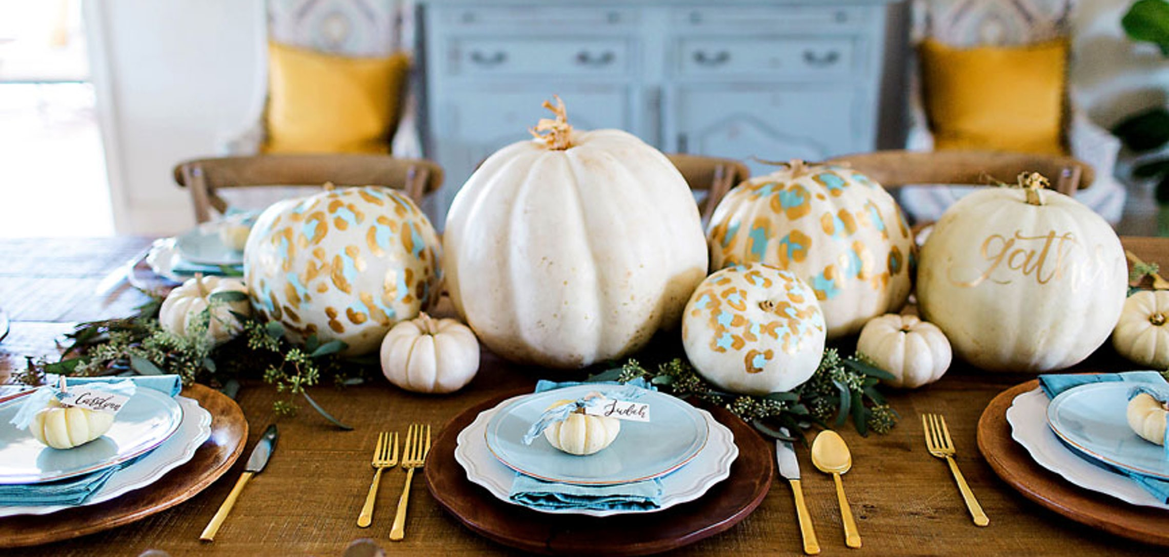 Feast for the eyes: A non-traditional Thanksgiving table - inRegister